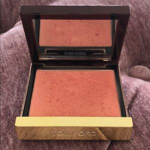 Tom Ford cheek color 01 love lust